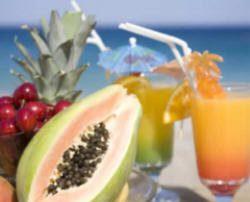 """Aline Lamarco fez um artigo sobre verão na coluna """"Acontece em Alphaville"""" com dicas para quem pretende iniciar uma dieta sem restrições malucas."""