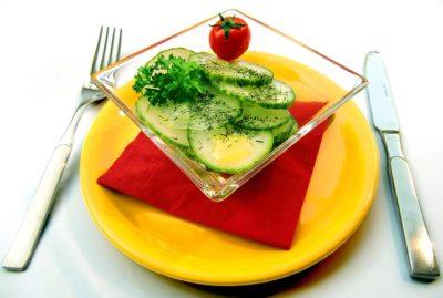 Beneficios de comer a salada antes das refeições. Nutricionisra Alphaville. Aline Lamarco